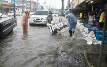 ปภ.เร่งช่วยเหลือ87ครัวเรือนจ.ตราดประสบอุทกภัย เตือน29จว.เตรียมรับมือฝนหนัก18-19ก.ค.นี้
