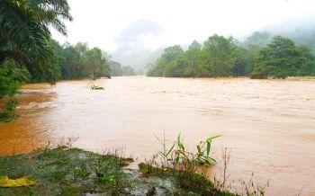 ผบ.ตร.สั่งทุกหน่วยช่วยเหลือประชาชนรับมือพายุฝน