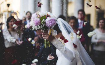 โพลเผยคนไทยมอง'แต่งงาน-จดทะเบียน'สำคัญ ชี้หญิงทำงานการเมือง-บริหารองค์กรได้ไม่แพ้ชาย