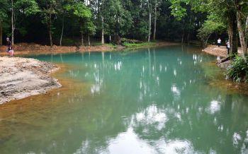 นทท.แห่ชื่นชม\'ธารน้ำเขียวมรกต\' ถ้ำหลวง-ขุนน้ำนางนอนความงดงามในธรรมชาติที่สมบูรณ์