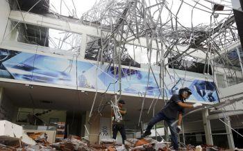 เฉียด100ศพ! แผ่นดินไหวอินโดฯ ทำบ้านเรือนพังพินาศ เร่งอพยพคนพ้นเกาะ