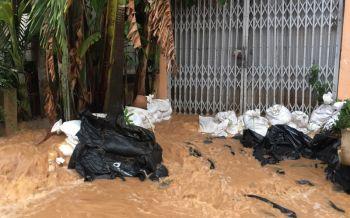 น่านอ่วม! น้ำทะลักท่วมแล้ว5ชุมชนเมือง สูง50-100ซม.