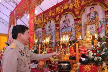 จังหวัดภูเก็ต-สมาคมท่องเที่ยวไทยจีนทำบุญอุทิศส่วนบุญส่วนกุศลให้ผู้เสียชีวิตเรือฟินิกซ์ล่ม