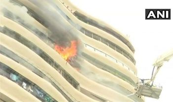 ไฟไหม้ตึก17ชั้นใน\'อินเดีย\' สปริงเกอร์ไม่ทำงาน เสียชีวิต4รายเจ็บ16คน