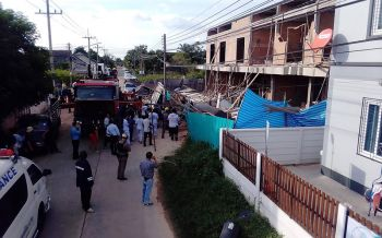 กันสาดปูนตึกแถวถล่มทับคนงานก่อสร้างเสียชีวิต2ราย