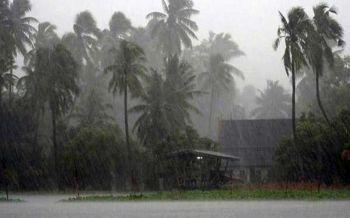 \'ทีมกรุ๊ป\'ยันพายุมังคุดไม่วกเข้าไทย แต่เตือนรับมือฝนตกหนัก4จว.